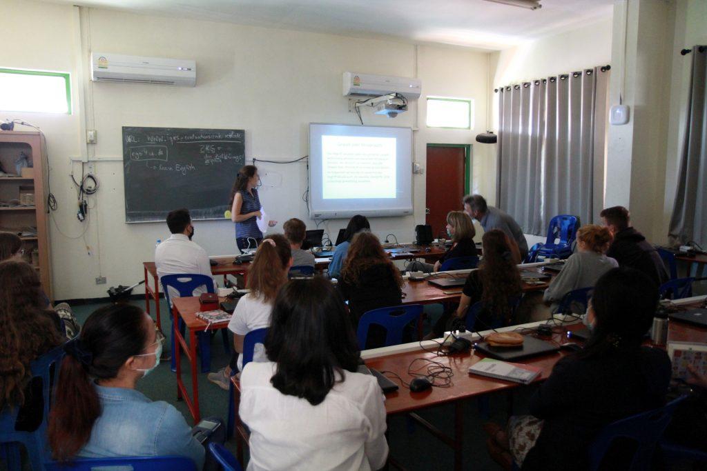 Katrin im Seminar für Kinderschutz